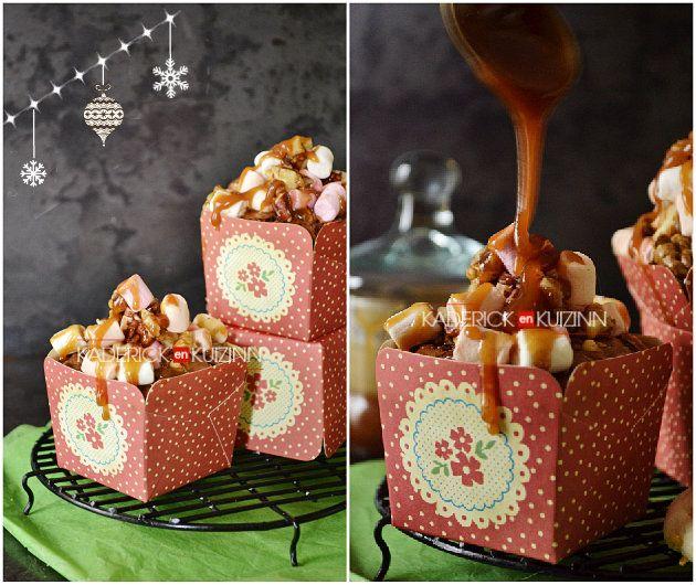 Présentation du brownie rocky road en caissettes individuelles fleurs - dessert pour Vahiné