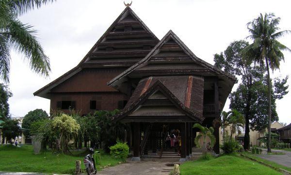 Rumah Adat Bugis, Sulawesi Selatan #arsitektur indonesia