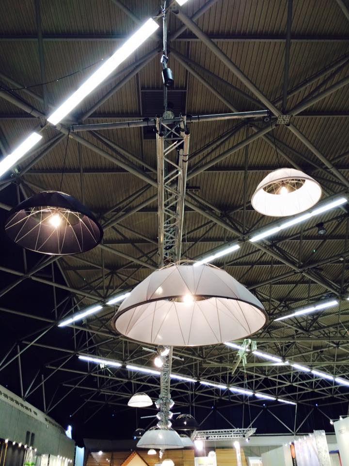#vtwonenendesignbeurs #glow #hollandslicht #hanglamp #staal #stof