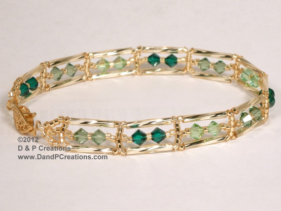 Thing additionally Lookandlovewithlolo blogspot additionally Do Your Ears Hang Low further Jewelry Looks We Love together with Art Deco Jewels. on oscar de la renta earrings costume jewelry pearls