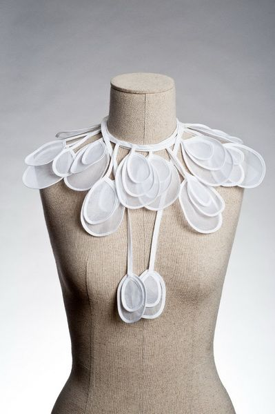 Anne Fontaine water drops collar #collar #accessories