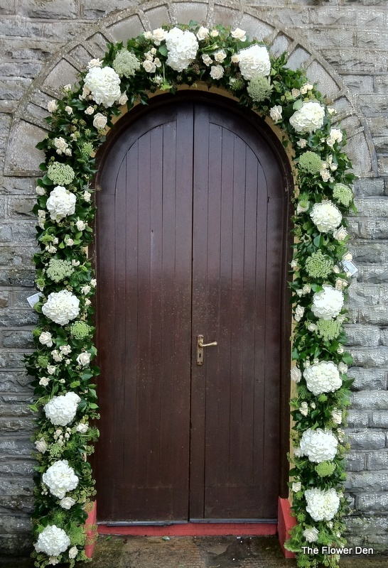 Garland/arch of flowers