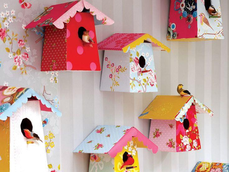 Poți să faci și tu căsuțe colorate pentru păsări