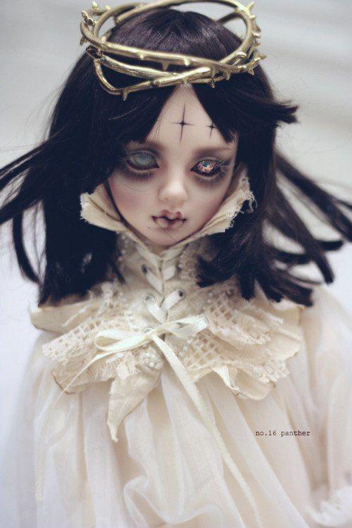 Fantasy | Whimsical | Strange | Mythical | Creative | Creatures | Dolls | Sculptures |
