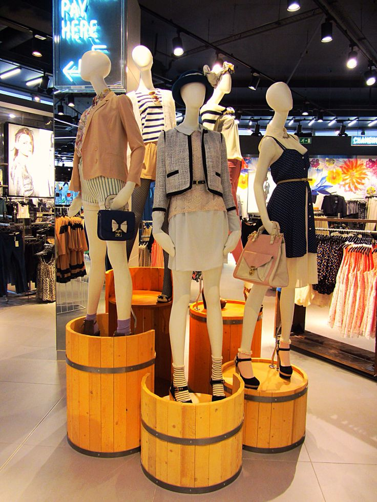 Mannequin styling topshop Knightsbridge