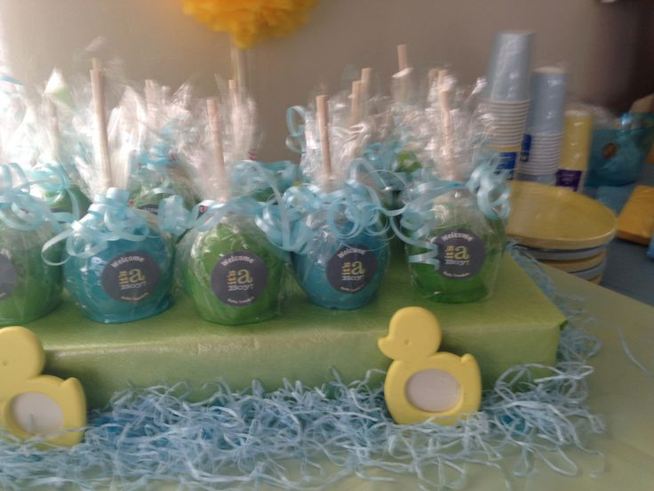 baby shower favor blue and yellow candy apples