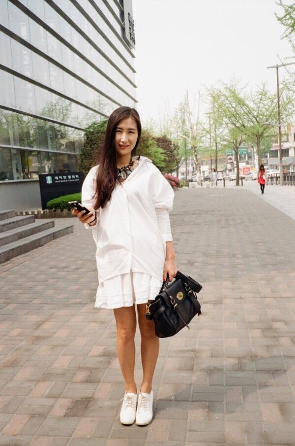 #dailylook #style #fashion #봄코디 #데일리룩 #summerlook #여름코디 #6월코디 #blogger #fashionblog #korea #koreanstyle #koreanfashion #블로거 #패션블로거 #화이트셔츠 #whiteshirt #shirt #커스텀목걸이 #볼드목걸이 #kustomnecklace #necklace #whiteskirt #skirt #화이트스커트 #스커트 #springstyle