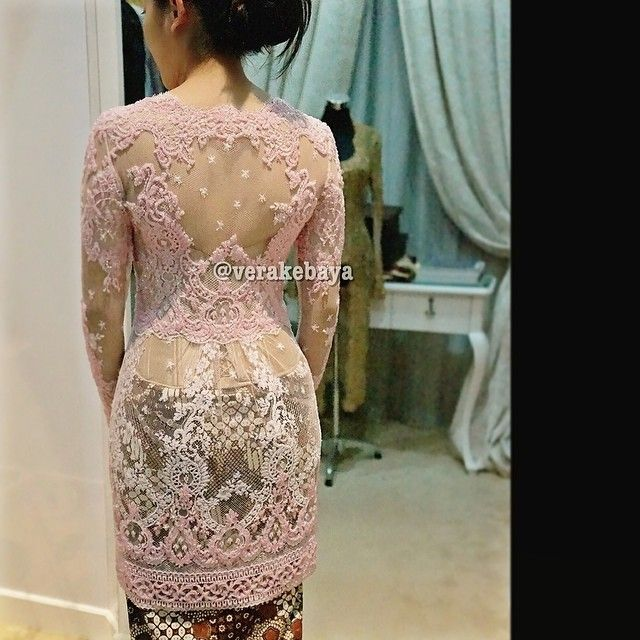 Fitting  #kebaya #partydress #lamaran #backdetails #batik #beads #swarovskicrystals #throwback #lace #lacelovers #verakebaya  ...thanks @dpriadi