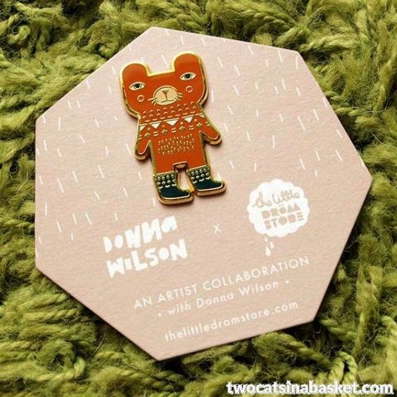 Broche Brown Bear by Donna Wilson - TWO CATS IN A BASKET