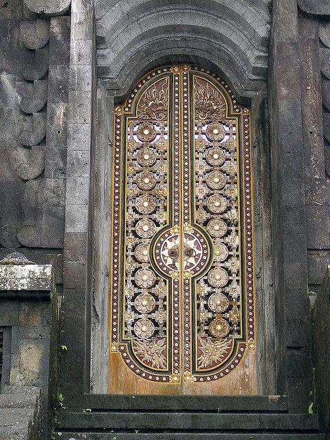 Temple door: Doors Rh, Doors Window, Creative Ideas, Photo Shared, Mothers Temples, Beautiful Doors, Jagannah Temples, Temples Doors, Besakih Temples