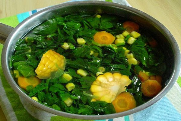 Spinach is one of the traditional Indonesian food that is fresh with a clear broth. Spinach is great for infant growth because of its rich iron and other nutrients green vegetables. There are several recipes spinach this clear whether using key retrieval as well as practical without key retrieval. Here are instructions on how to make a dish of spinach so that the nutritional value contained in spinach leaves is not lost useless. As it is known that spinach leaves mature very quickly so if…