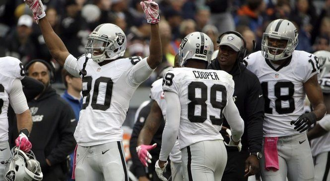 Rod Streater and Chris Hogan, both free agent receivers, could be added to the New England Patriots roster as early as Friday.