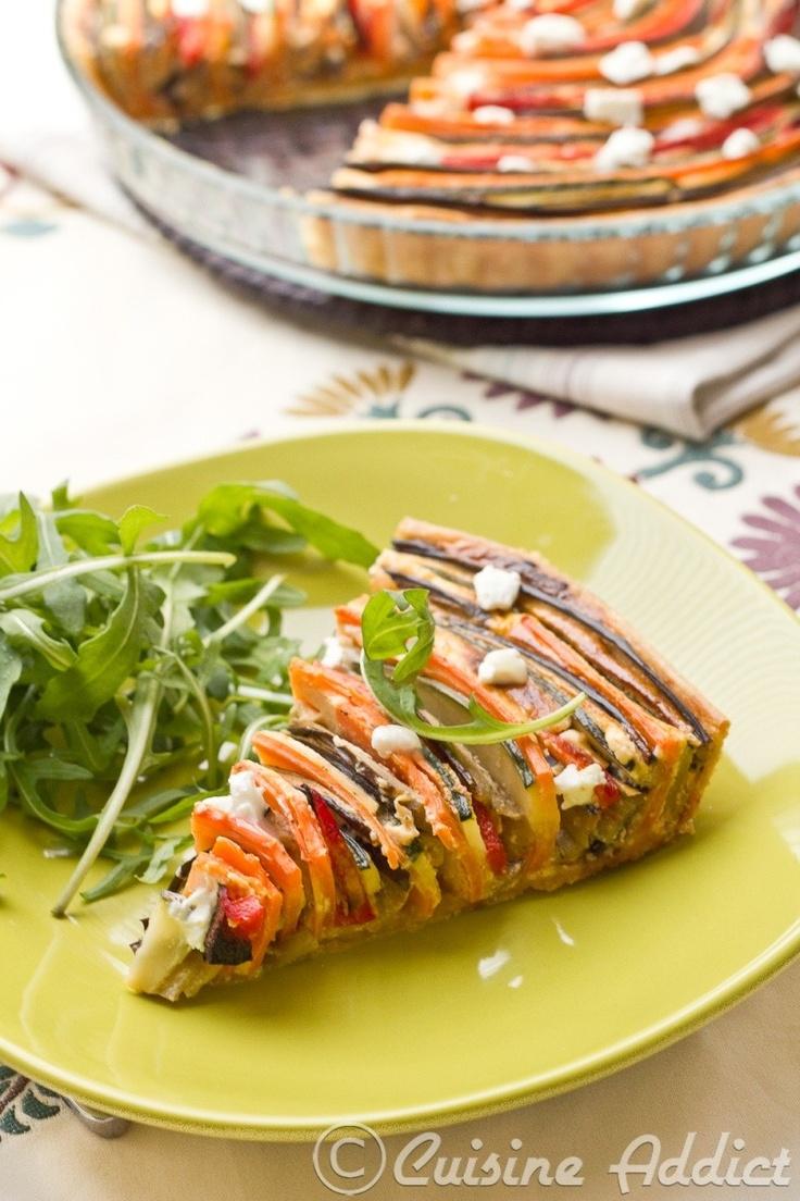 Tarte provençale en spirale (courgettes, aubergines, poivrons et carottes)