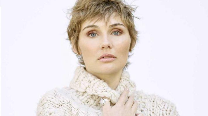 Clare Bowen Nashville Pixie