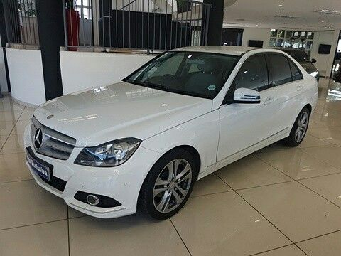 The C Class sets a new benchmark for executive cars with features such as automatic transmission, power steering, multi-function steering wheel, cruise control, bluetooth connectivity, auxiliary connectivity, USB Port, avantgarde package, park tronic and smash and grab window film... All this for only R289000.00 #instacar #instadaily #instagood #f4f #stock #mercedes #dealership #workinghard #cargomotors