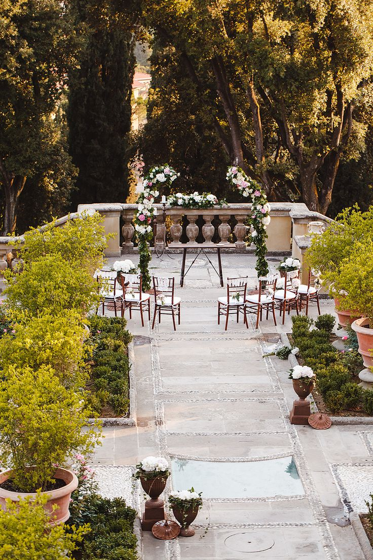 italian wedding set up