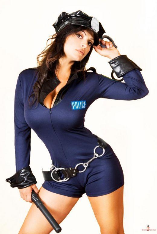 seksualnie-zhenshini-politseyskie-foto
