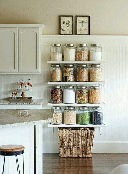 Os potes são ótimos aliados na cozinha. Além de organizarem mantimentos, também decoram deixando o ambiente super charmoso!