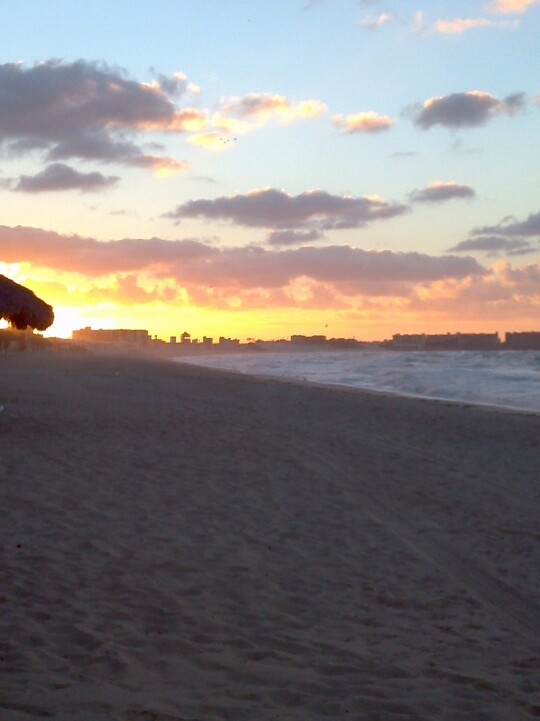 Sunrise @ Sandy Beach in Rocky Point Mexico