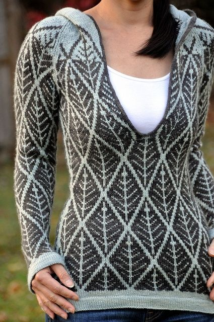 Beautiful colorwork pattern  (via Why I Love Knitting / …Kyllene by Kirsten M. Jensen, as knit by jettshin…!)