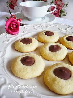 Gabriella kalandjai a konyhában :): Csokoládés gombocska :)