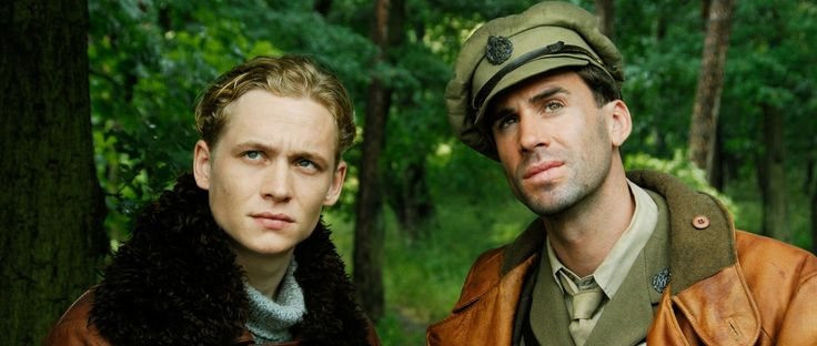 Joseph Fiennes (right), Actor: Der Rote Baron. Joseph Alberic Twisleton-Wykeham-Fiennes was born in Salisbury, Wiltshire, to Jennifer Anne Mary Alleyne (Lash), a novelist, and Mark Fiennes, a photographer. He is one of six children. Four of his siblings are also in the arts: Ralph Fiennes, an actor; Martha Fiennes, a director; Magnus Fiennes, a musician; and Sophie Fiennes, a producer. He is of English, Irish, and Scottish origin. He was ...