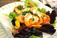 Salade de crevettes à la mangue et au pamplemousse
