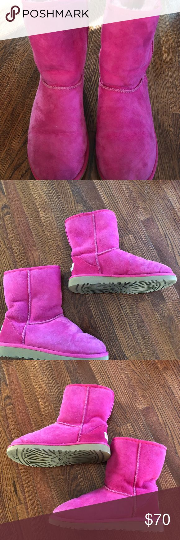 UGG Classic Short Kids in Magenta Rose Kids size 4 Uggs. Light signs of wear. Fur in great condition. UGG Shoes Ankle Boots & Booties