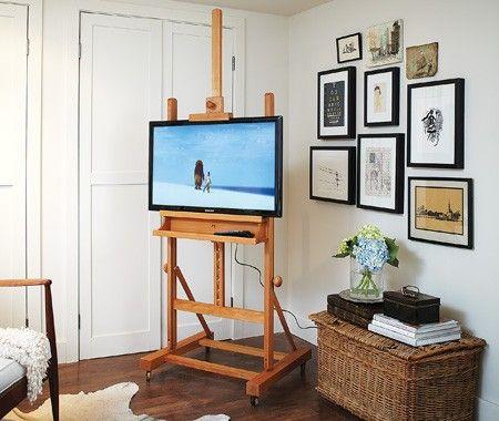 Si vous cherchez un supportfacile à déplacer pour installer votre téléviseur, esthétique et peu couteux, voici une solution idéale. Avec de menus changements, l'emploi d'un chevalet est une solution parfaite, en plus d'un excellent sujet de conversation ! Voici comment procéder :Outils et matériaux