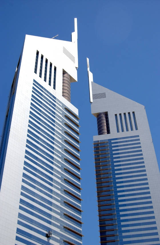 8 best jumeirah emirates hotel emirate office tower for Art hotel dubai