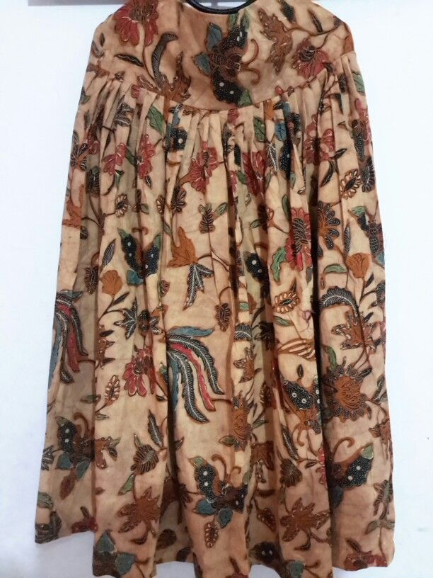 Long Skirt  Fit to XL ( 100cm )  Available 325.000