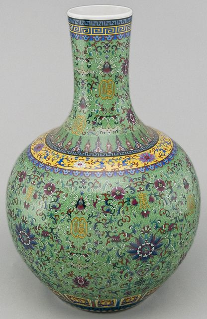 jv1012y-jingdezhen-painted-porcelain-vase by Silk Road Collection, via Flickr