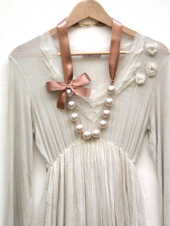 Carrie Bradshaw Inspired Giant Vintage Cream by roomofyourown, $46.00