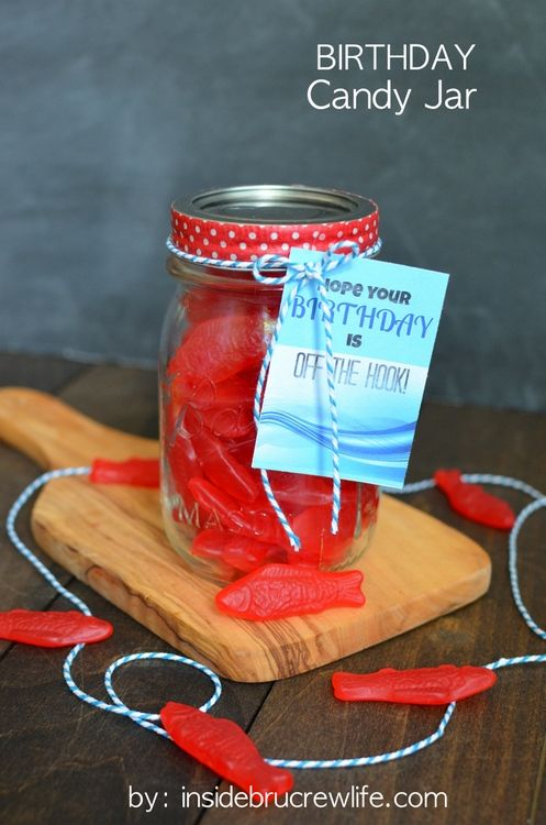 Birthday Candy Jar and Printable - quick and easy candy gift for birthdays