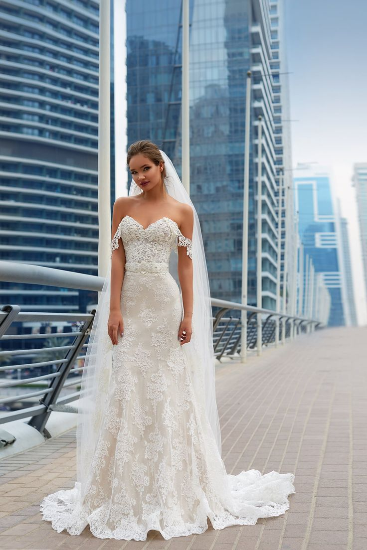 1200 best Wedding Dresses images on Pinterest   Ball gown wedding ...
