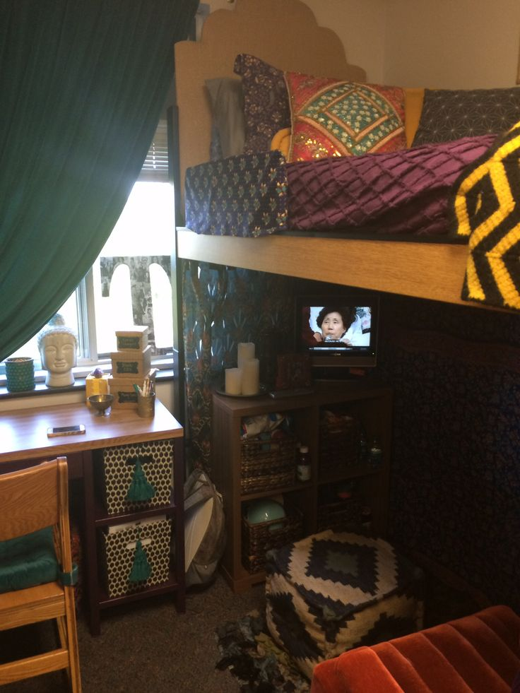 How To Decorate A Boho Dorm Room