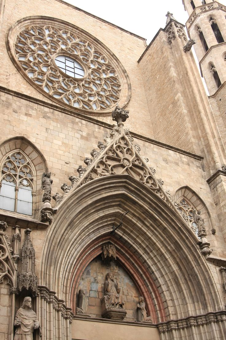 """What to visit in Barcelona? The """"La Seu"""" Gothic Cathedral in the Gothic Quarter!"""