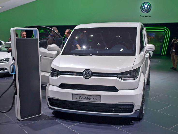 Новое поколение коммерческой линейки Фольксвагена появится в 2015 году. Ради экономии средств на разработку компания решила создать фургон Volkswagen Transporter T6 и все его вариации на основе нынешней модели T5. Таким образом, будет применён приём, задействованный некогда при переходе от «пятого» к «шестому» Гольфу. Но, конечно, многие узлы подвергнутся ревизии, равно как будут перекроены и внешний вид, и интерьер.