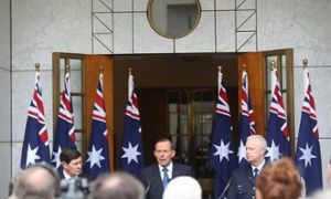 Surge in poles: Tony Abbott's flag count hits a new high The PM's latest speech at Parliament House was backed by no fewer than eight Australian flags, marking a steady rise in recent months