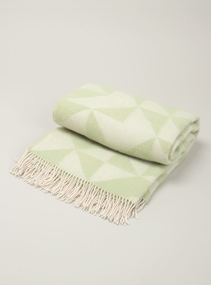 Twist a twill wool blanket from Couverture and The Garbstore