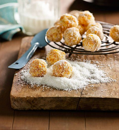 Apricot-coconut balls: These tasty no-cook snacks are perfect for the kids' lunch boxes – and don't forget to sneak a few in yours, too.