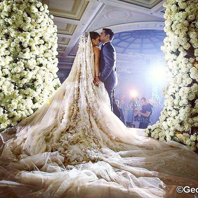 #lebanesewedding planner: #caractere Wedding venue : Biel .  Photographer : George chahoud   Wedding planner : Caractere  Floral decoration rose express  #lebaneseweddings #royalwedding #luxuryweddings #royalweddingoals #lebaneseweddings #weddingoftheyear #weddingofthecentury