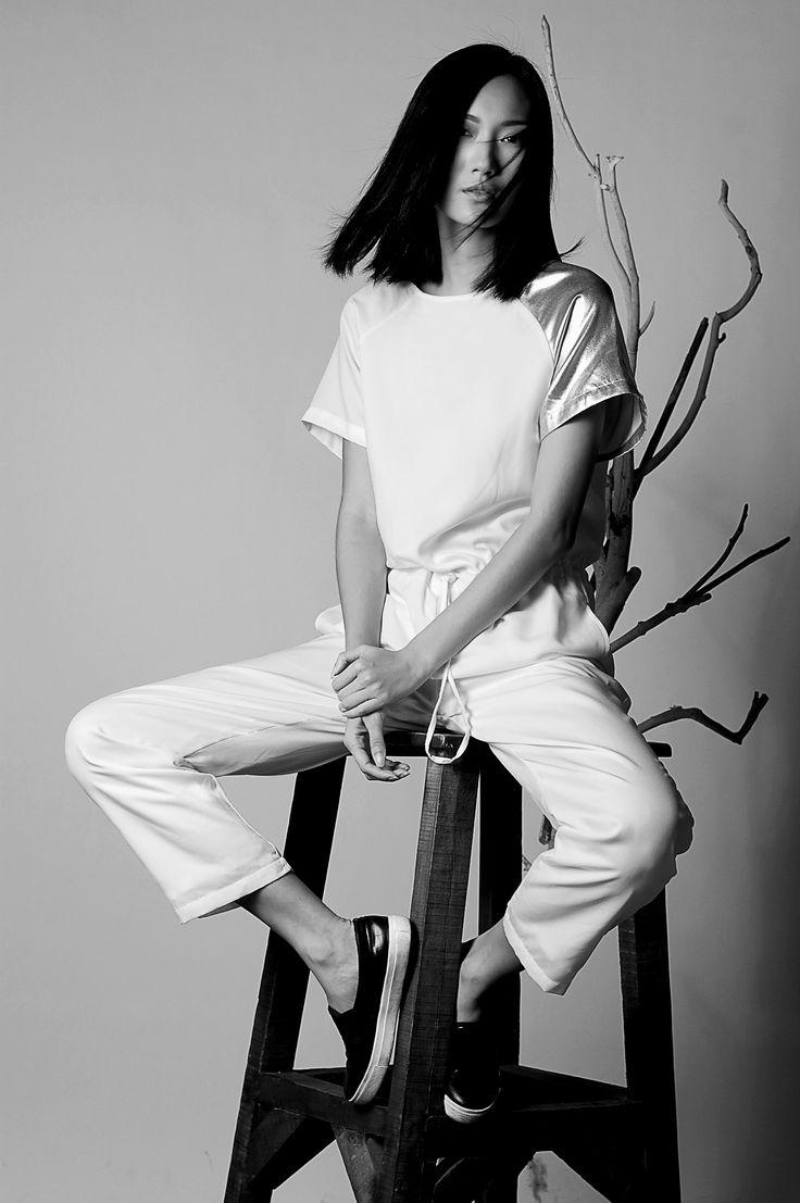 Model : Gani / Merry Model Hair & Makeup : shirleentmakeupartist Photographer : Asti Tiara Bachtiar   #photography #bw #black #white #classic #classy #model #fashion #style #streetstyle #street #beauty