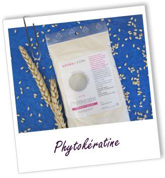 Actif cosmétique Phytokératine Aroma-Zone Pour cheveux abîmés. Composée de protéines de blé hydrolysées, la Phytokératine contient des acides aminés similaires à ceux de la kératine constituant les cheveux et les ongles. Cet actif est surtout intéressant dans les produits capillaires, où il apporte force, volume et brillance aux cheveux. C'est aussi un actif adoucissant et hydratant sur la peau.