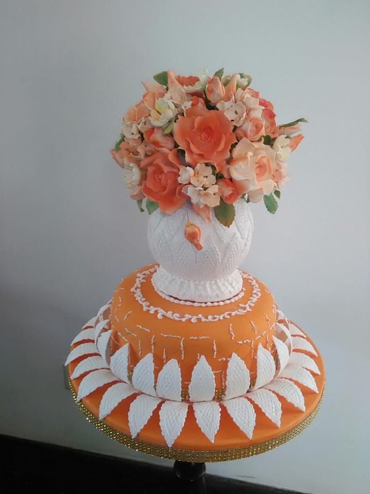 A Birthday Cake for a very special person. Flower vase ...