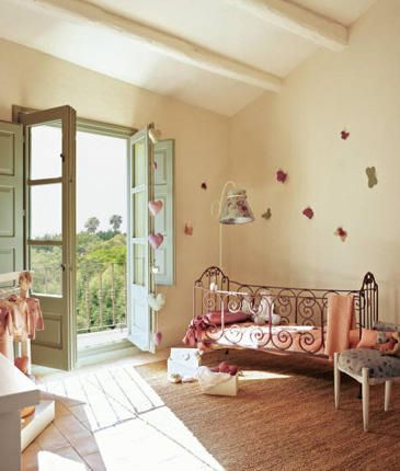 Romantica-habitacion-infantil-foto-1_large by dollylovespink, via Flickr