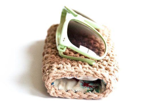 The Cute Sunglasses case - a crochet pattern. Crochet pattern for a sunglasses pouch. You will need hook, yarn, fabric and thread. Skill level beginner. Perfect birthday gift idea for a friend. DIY cute.   spectacle case   sunglasses case crochet pattern   sunglasses pouch crochet pattern   glasses case pattern. Click to purchase or repin to save it forever.