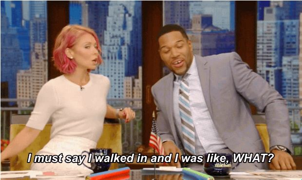 And this morning Michael Strahan was surprised when he arrived to work this morning. | Kelly Ripa Is Rocking Amazing Pink Hair