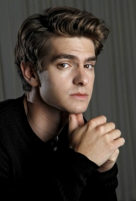 ((FC: Andrew Garfield)) Hey, I'm Andrew. I'm 18 and single. I am in the tech division. I don't talk much and I focus on my work a lot. Intro?