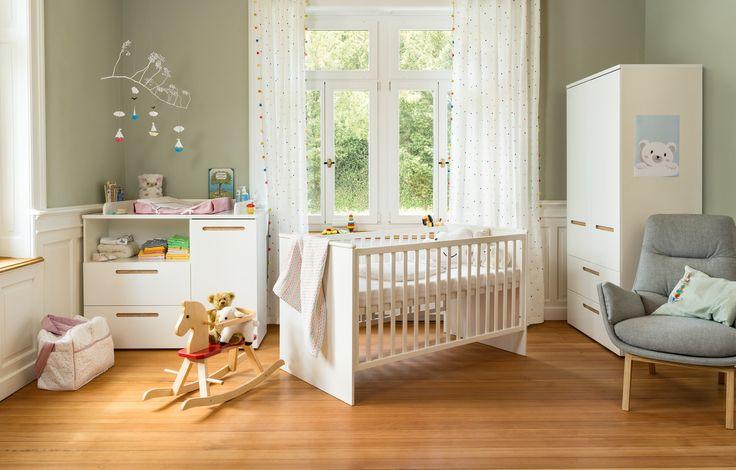 Micasa Kinderzimmer mit Babybett und Wickelkommode aus dem Programm TELBY